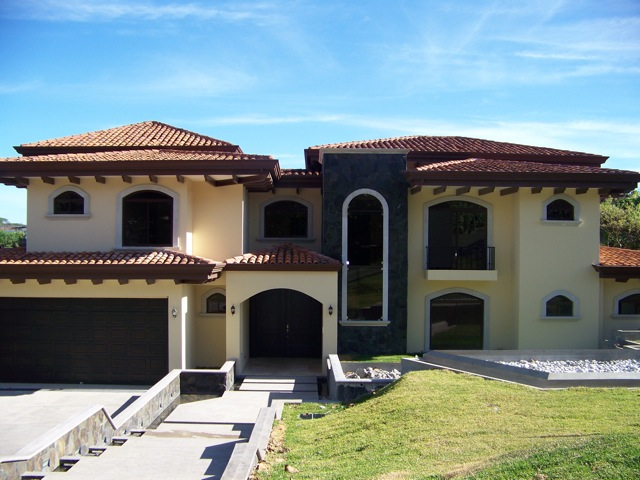 Luxury homes for sale in costa rica luxury properties in for Villas for rent in costa rica