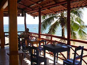 montezuma beach front bar restaurant costa rica
